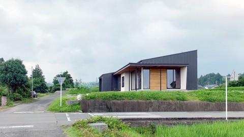 静岡県小山町 平屋のロケーションを生かしたガレージハウス