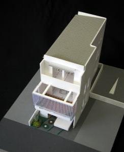 デッキテラスのある狭小地住宅のパース/模型/CG/スケッチなど