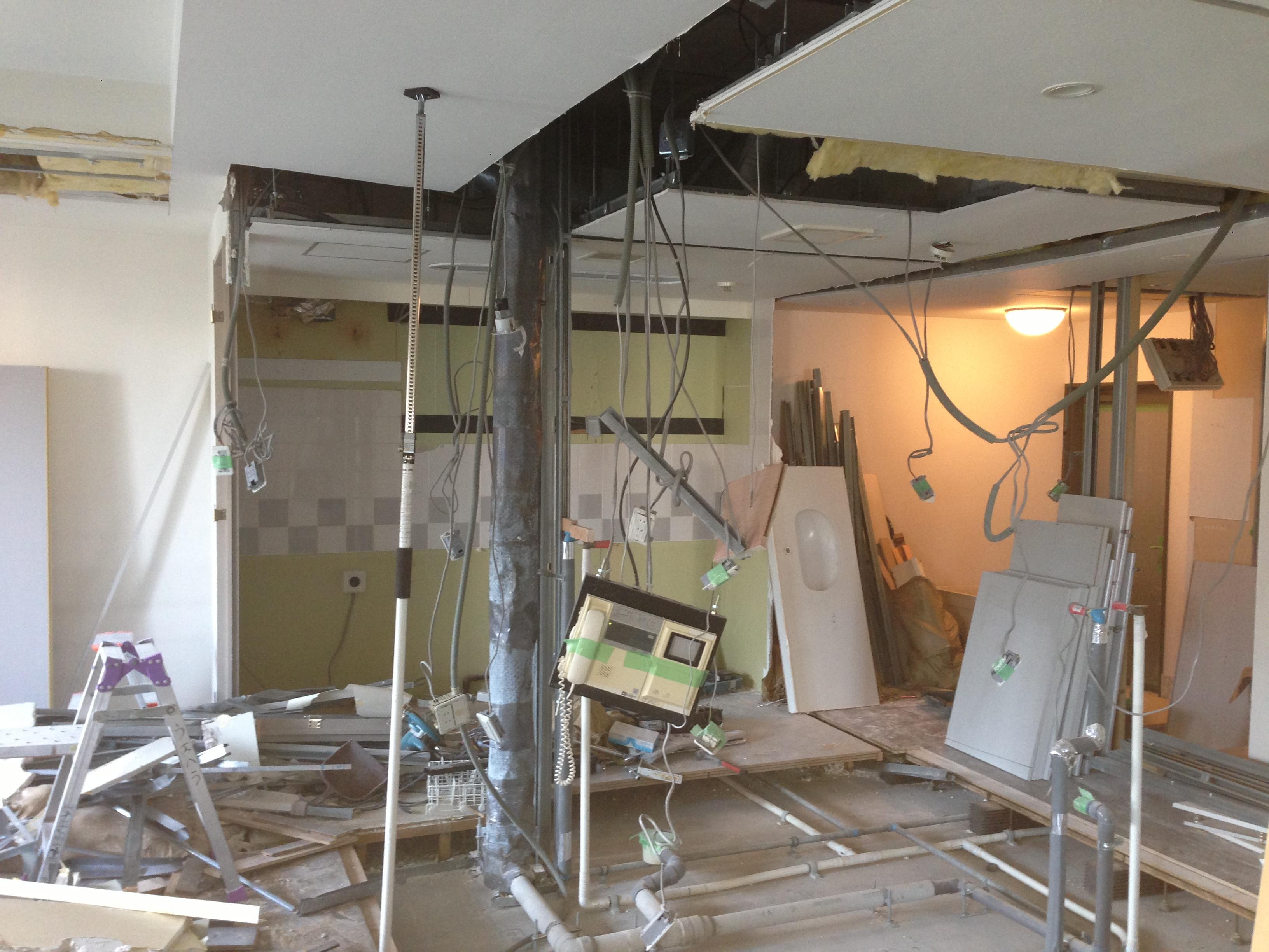 奥さまの家事動線と収納量にこだわった間接照明のあるリノベーションのリノベーション前の写真