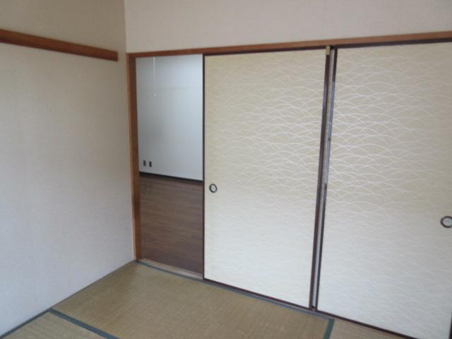 納戸とWIC+クローゼットで約7帖分の収納スペースのリノベーション前の写真