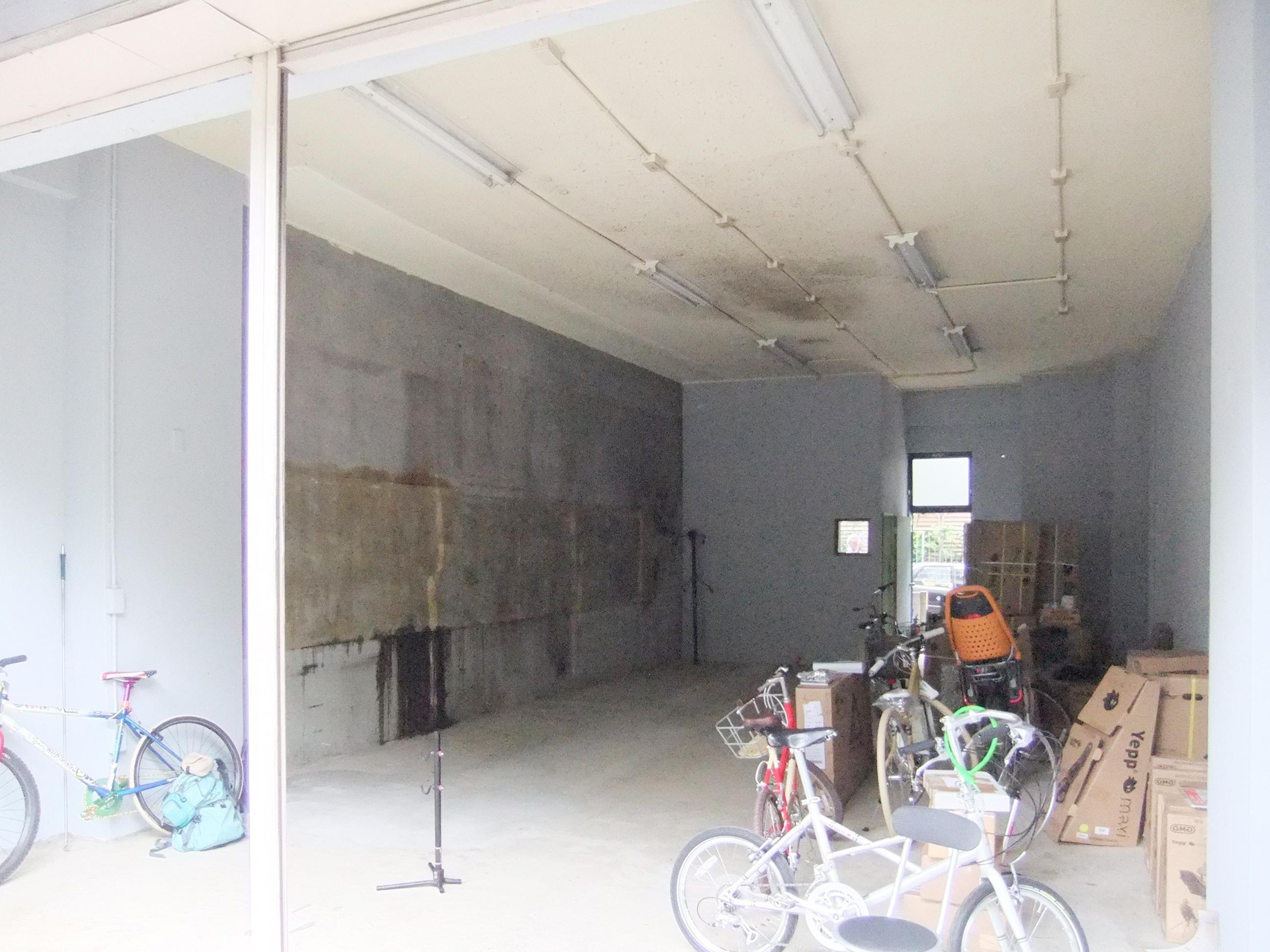 西早稲田自転車店リピト・イシュタール2号店のリノベーション前の写真