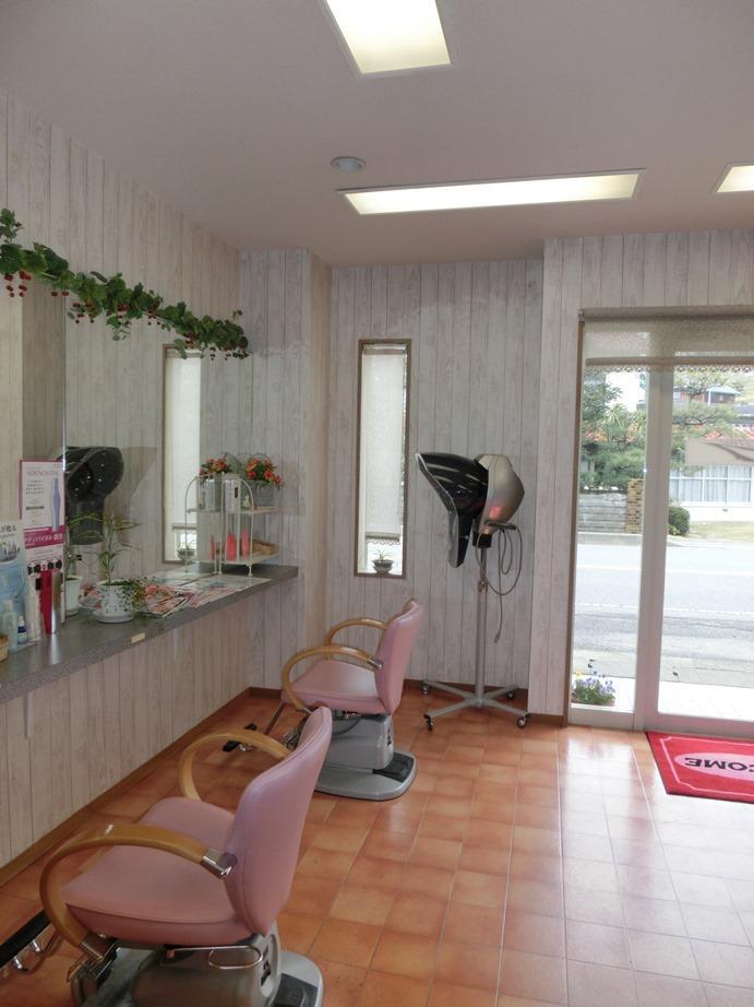 『ヘアガーデンナナ』開業20年目の美容室リニューアル工事のリノベーション前の写真