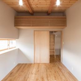 飯島の家 (スポットライトのある寝室)