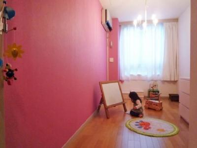 子供部屋 (グリーン&洋書LIKEな空間)
