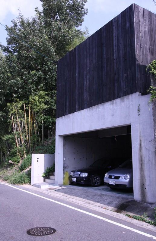 YU邸の部屋 インナーガレージのある外観