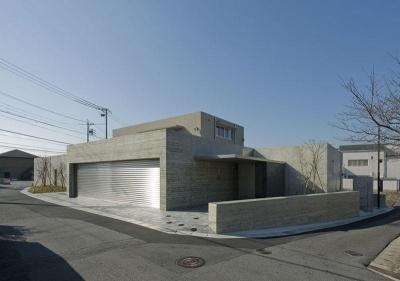 KS邸 (3方を道路に囲まれた120坪の大きなこの住宅)