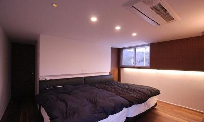 KS邸 (広々とした落ち着きのある寝室)