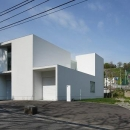 白い家の写真 外観1