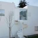 白い家の写真 外観2