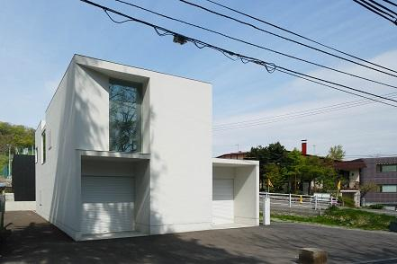 白い家の部屋 外観3