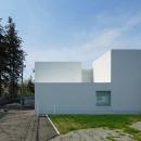 白い家の写真 外観4