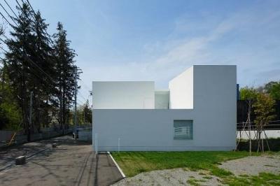 白い家 (外観4)
