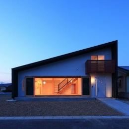 House-S【 ヒトツナガリノイエ 】 (片流れ屋根の外観)