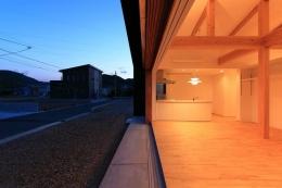 House-S【 ヒトツナガリノイエ 】 (大開口の木製サッシ)