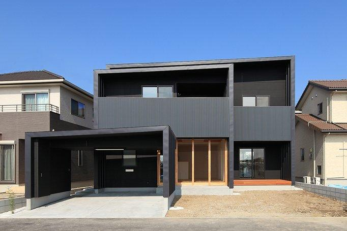 House-SK【 HB 】の部屋 建物正面を南側から見る
