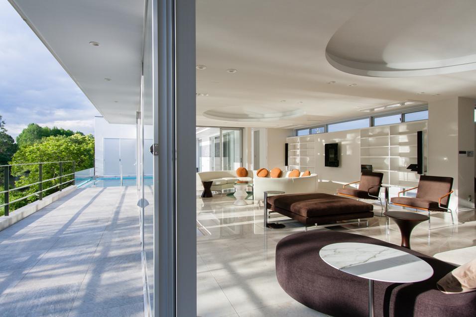 大塚ハウスの部屋 テラスと一体感のある空間
