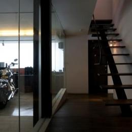 中筋の家 (バイク置き場のあるホール)