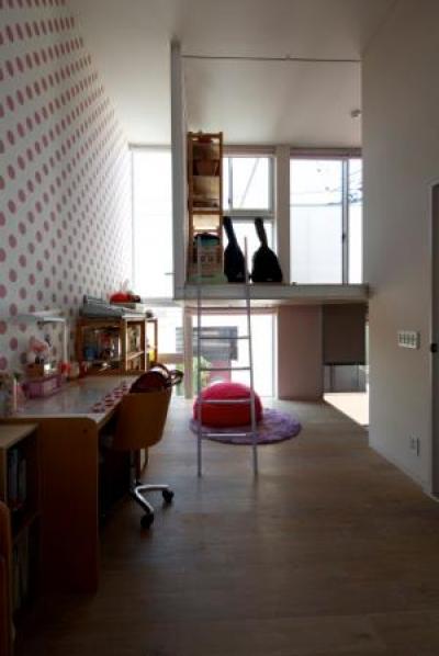 壁紙が可愛い子供部屋 (中筋の家)