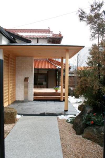 東広島の家 (エントラスポーチ)
