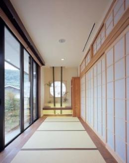 東広島の家 (縁側を望む)