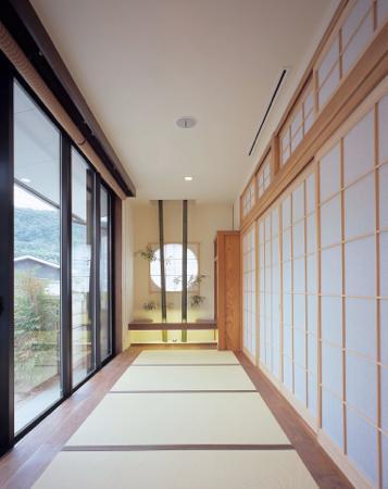 東広島の家の写真 縁側を望む