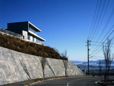 古田台の家 (瀬戸内海を望む外観)