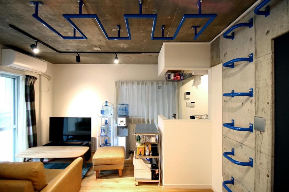 Cuestudio(キュースタジオ)「ボルダリング×コンクリートスラブのアスレチック空間」