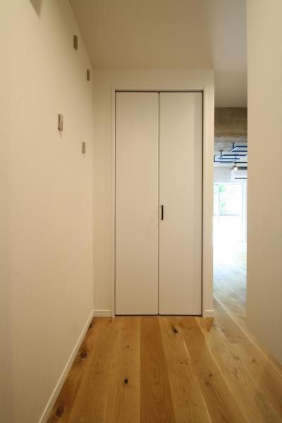 廊下 (ボルダリング×コンクリートスラブのアスレチック空間)