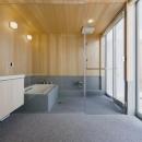 檜を使用した和風バスルーム