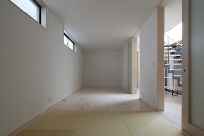家事となかよしになるいえの写真 畳コーナー付の洋室