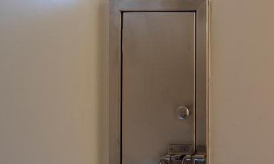 レトロな玄関ポスト|吹き流しの家