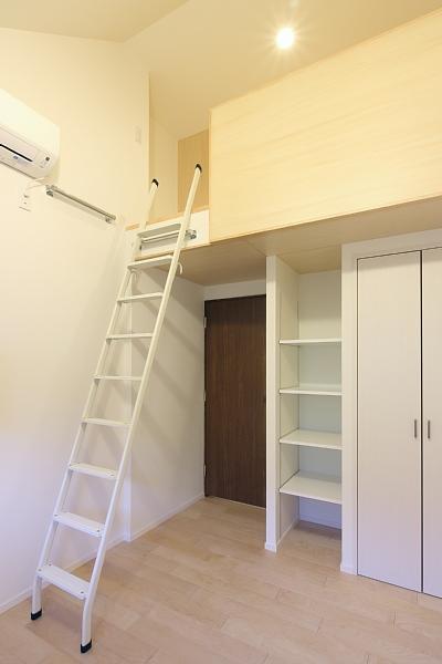 山王の住居(改装) (子供部屋)