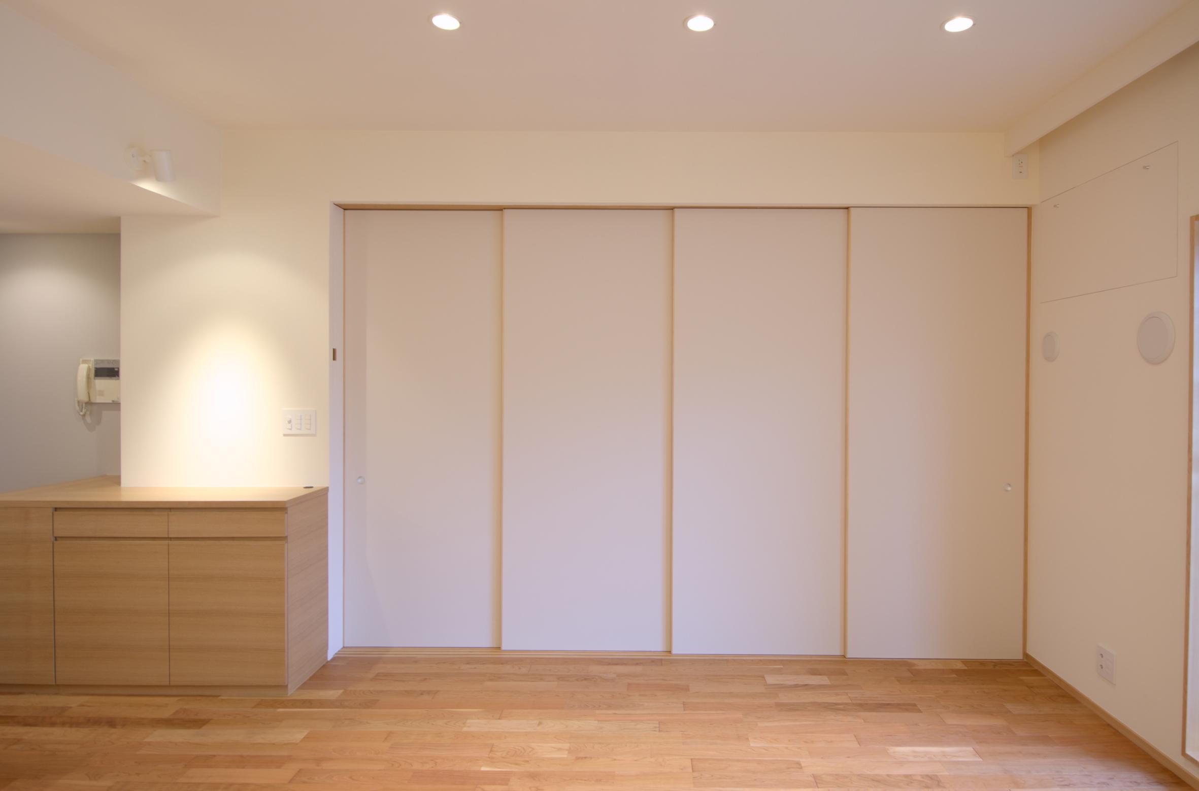 Oさんの大好きなものが集まる大切な場所の部屋 和室を間仕切る襖