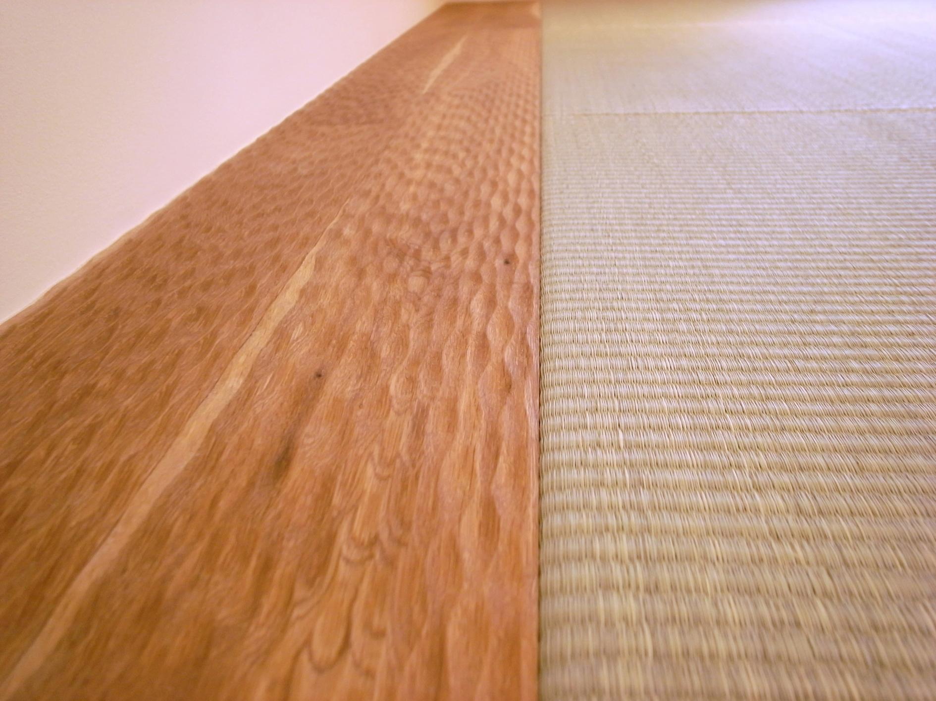 Oさんの大好きなものが集まる大切な場所の部屋 フローリングと畳の取り合わせ