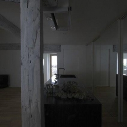 古民家再生|久田邸 (存在感のある古い柱)