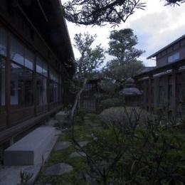 古民家再生|久田邸 (石畳のある庭)