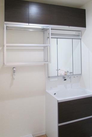 Re design KMの部屋 白い洗面室