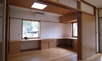 洋室1|開放的なフラットフロアになったキッチン・DK・和室