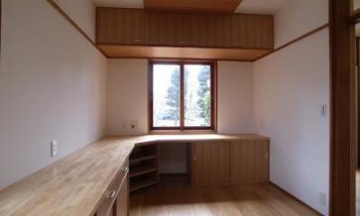 開放的なフラットフロアになったキッチン・DK・和室 (洋室2)