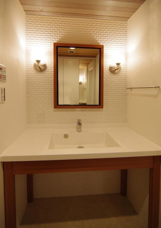 都心の森を臨む ビンテージマンションリフォームの部屋 高級感溢れる洗面スペース