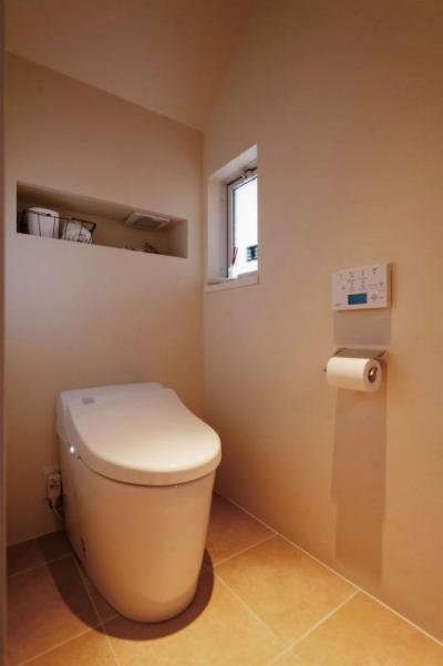 シンプルな白いトイレ (wanも楽しいリフォーム2)