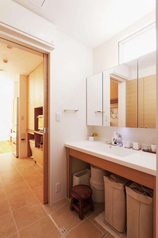 wanも楽しいリフォーム2の部屋 明るい洗面スペース