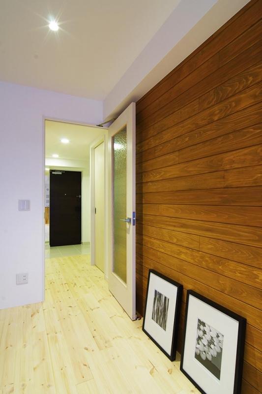 素足がきもちいい家の写真 無垢のパインフローリング
