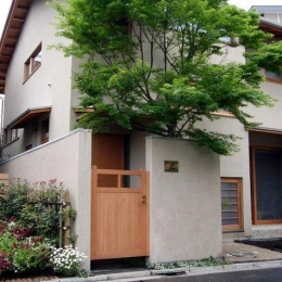 浦和岸町の家 (北面アプローチ)