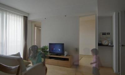 船橋 N HOUSE (オリジナルTVボードのあるリビング)
