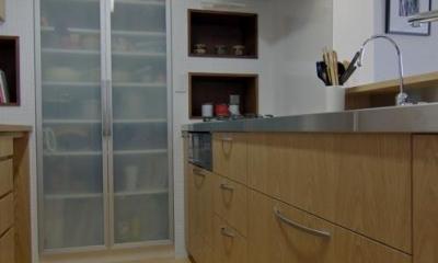 船橋 N HOUSE (家族を見ながら作業のできる明るいキッチン)
