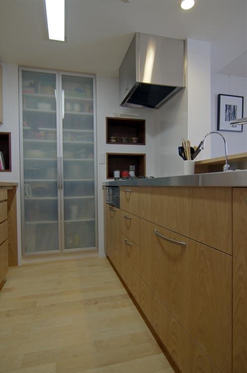 船橋 N HOUSEの部屋 家族を見ながら作業のできる明るいキッチン