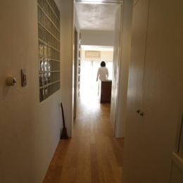 中古マンションのスケルトンリフォーム(東京 足立) (玄関よりリビングを望む)