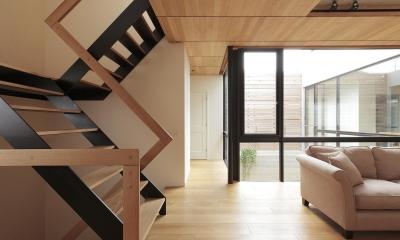 中庭のある家 (階段)