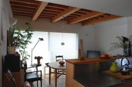 大和町の家 (落ち着いたダイニング空間)